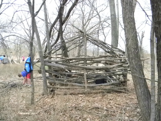how to make a hidden fort in the woods